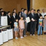 長野・サンエイ、児童福祉施設に家電製品を寄贈