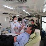 中国遊商、64名が献血活動に参加