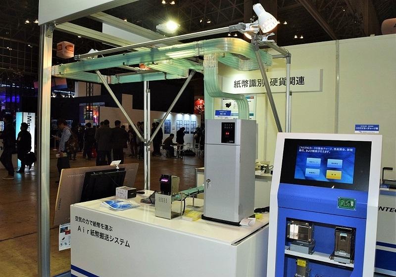 マースウインテックブースではAir紙幣搬送システムなどを展示した。