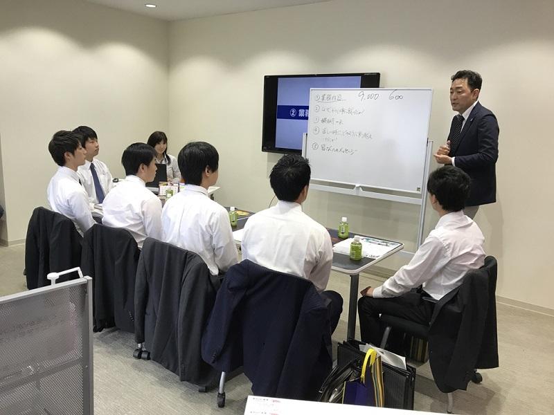 6月8日に行われた営業講話の模様。