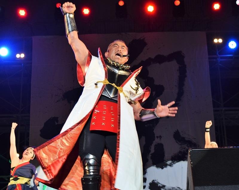 ライブでは「よっしゃあ漢唄」と「我無想」を披露した。