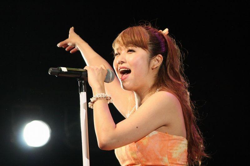 同機の主題歌「Dream of Princess」も披露した。