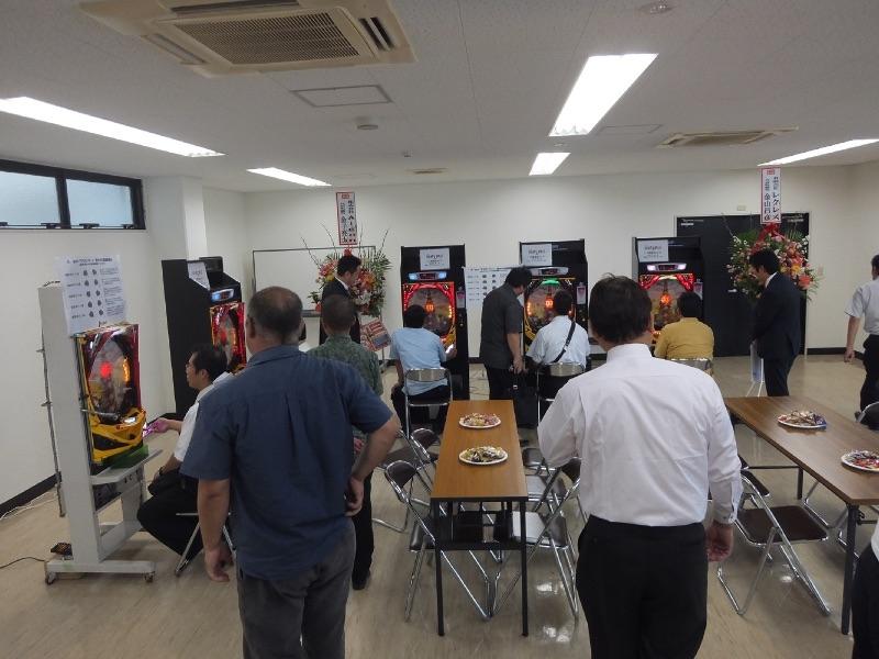10月15日の沖縄展示会は県内全域からホール関係者が集まった。