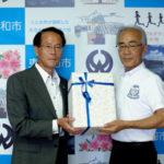 東大和組合、東大和市に災害用携帯トイレを寄贈