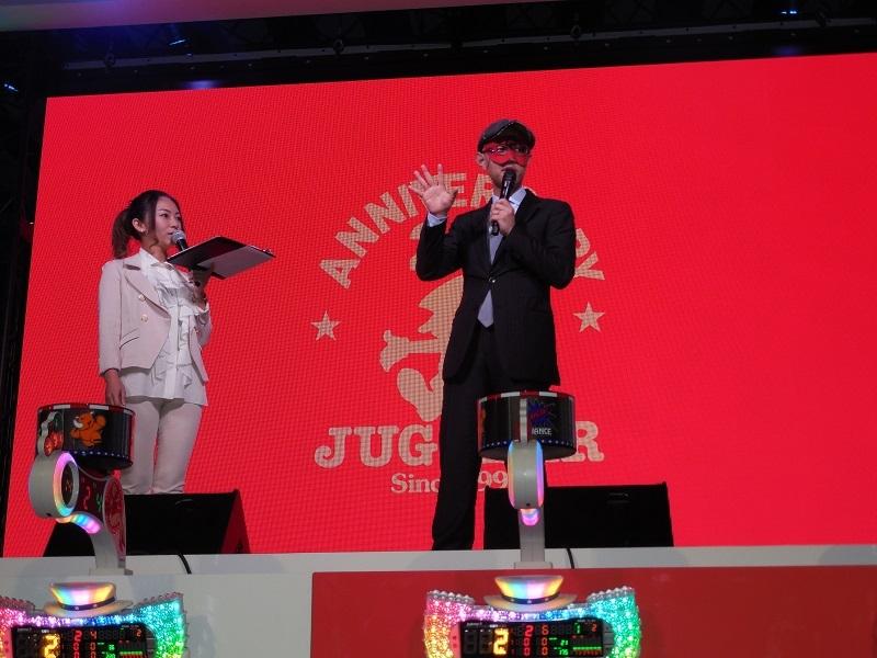 ゲストにゲッターズ飯田さんを招き、トークショーを行った。