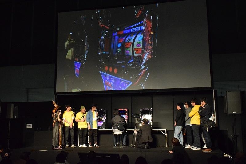 「最強ディスクアッパー選手権」はファン参加型アトラクションの1つ。ボーナス中のビタ押しによるARTの上乗せゲーム数を競う大会で、優勝者は決勝で当日最高ゲーム数となる136ゲームの上乗せを達成した。