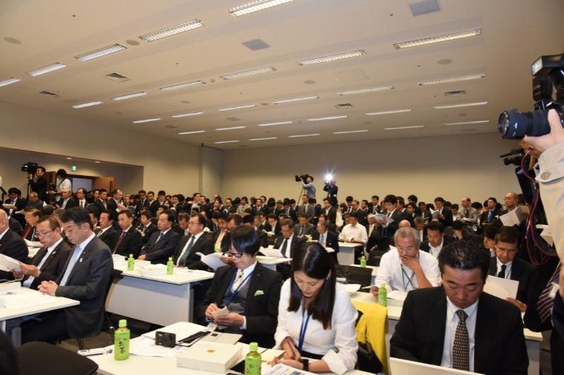 総会には議連加盟議員はじめIR誘致に積極的な自治体関係者らに加え、多数の報道陣が押し寄せた。