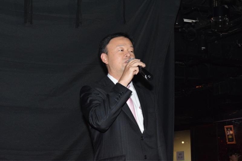 開会の挨拶を述べた高尾営業戦略本部営業戦略部広報宣伝室の河津哲也室長。
