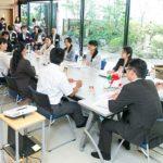 ホール業界トップ2社が情報交換会を開催