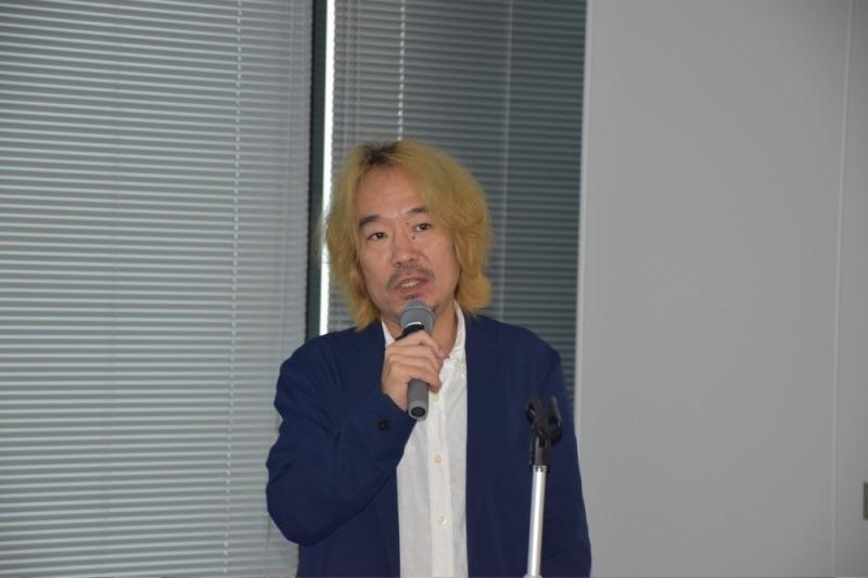 遊技業界ジャーナリストのPOKKA吉田氏。
