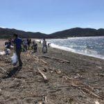 めいほう、海岸の美化に努める清掃活動に参加