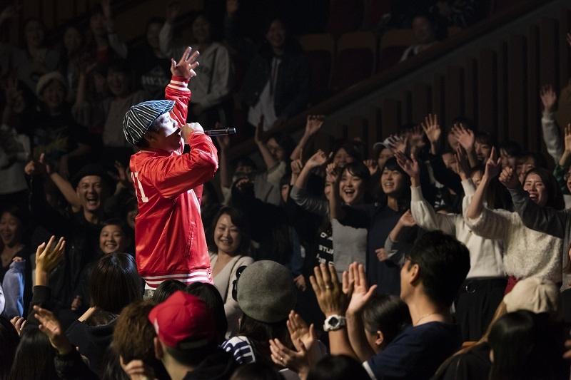 TEEさんは観客席に降りるなどのパフォーマンスをみせ、会場を沸かせた。