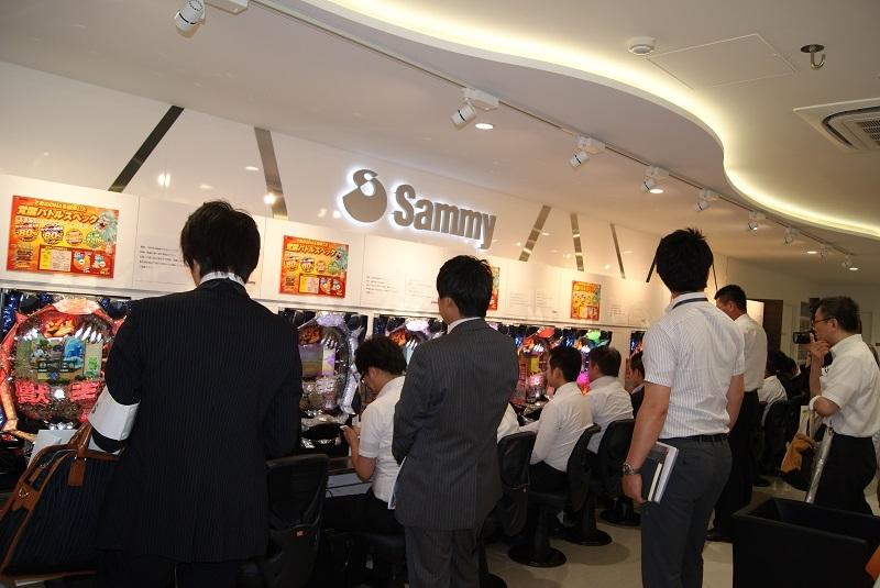 東京支店で開催された展示内覧会の模様。