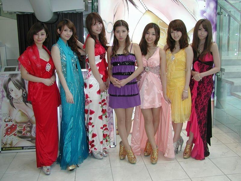 実機の演出にも登場する「FUJI★7 GIRLs」。