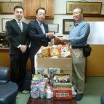 ミリオンと練馬組合が児童養護施設にお菓子を寄贈