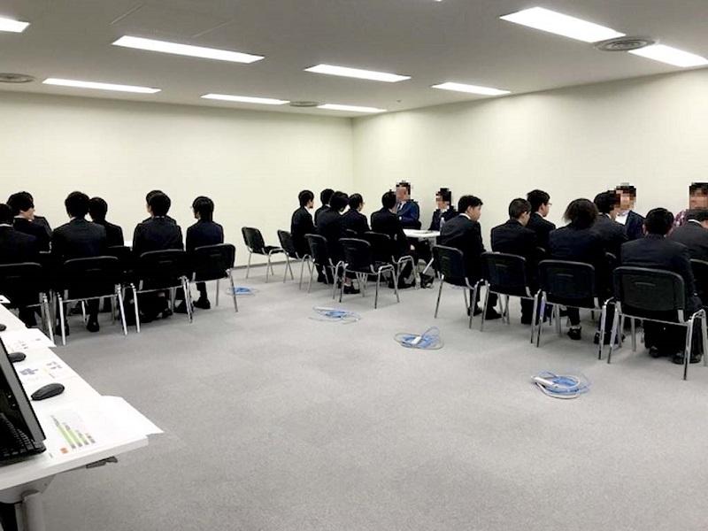 大阪校での合同企業説明会の様子。