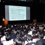 東京でアドバイザー講習会、出席者に修了証交付