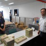地域の小学校に鉛筆を寄付~ニラク福島太平寺店