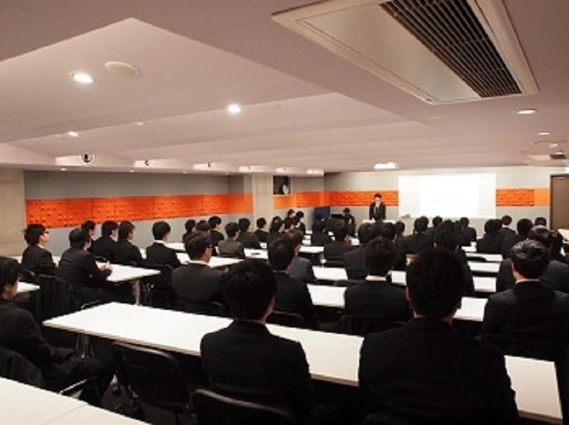 3校合計で約200人が終了式に出席。