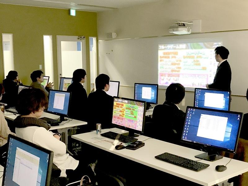 G&Eビジネススクール大阪校の生徒プレゼン発表会の様子。