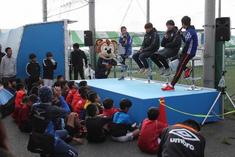 サンフレッチェ広島の森島選手、松本選手のトークショーも大いに盛り上がりを見せた。