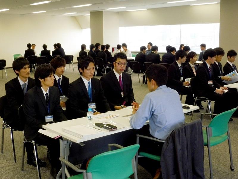 大阪校、説明会の模様