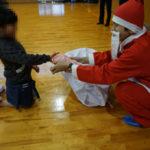 澤田グループ、児童施設などにお菓子を贈呈