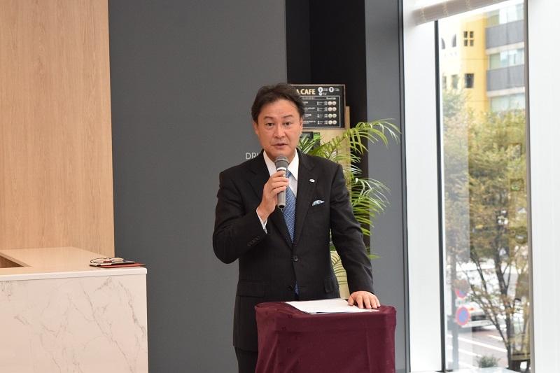 挨拶を行った同社の田中耕太郎代表取締役社長。