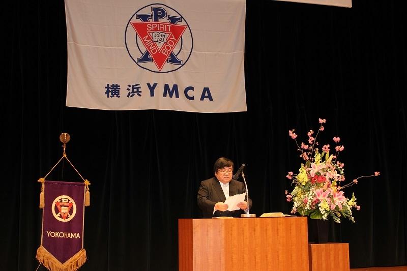 来賓として招かれた伊坂重憲会長は「夢を諦めず、強い気持ちで目標に向かって進んでほしい」などと祝辞を述べた。