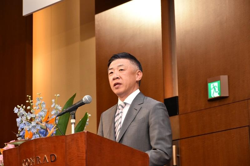 韓裕代表取締役社長が新入生に向けて祝辞を述べた。