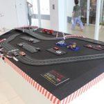 自動車模型題材に展示会を開催