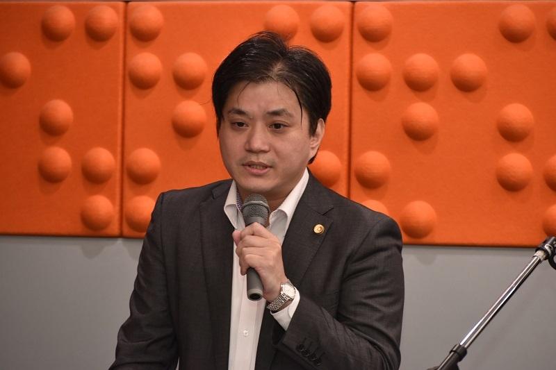 同じく第3部で永澤氏と共に講師を務めた川﨑公司弁護士。法的な観点からセクハラ・パワハラを解説した。
