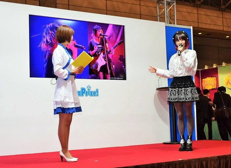 セガ・インタラクティブブースではは女性歌手LiSAさんのトークショーを実施した他、最新ゲームを無料開放した。