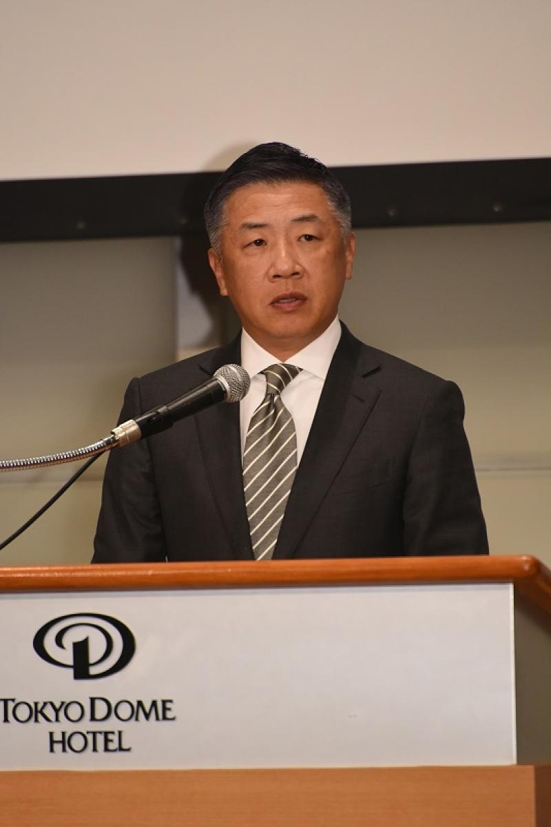 韓裕社長は新入社員に対し明確なヴィジョンを持って取り組む姿勢を求めた。
