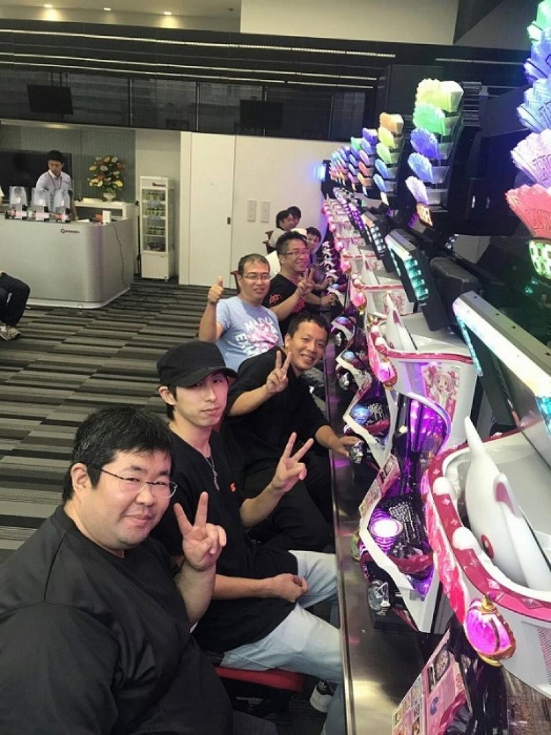 九州支店で行われた試打会の様子。