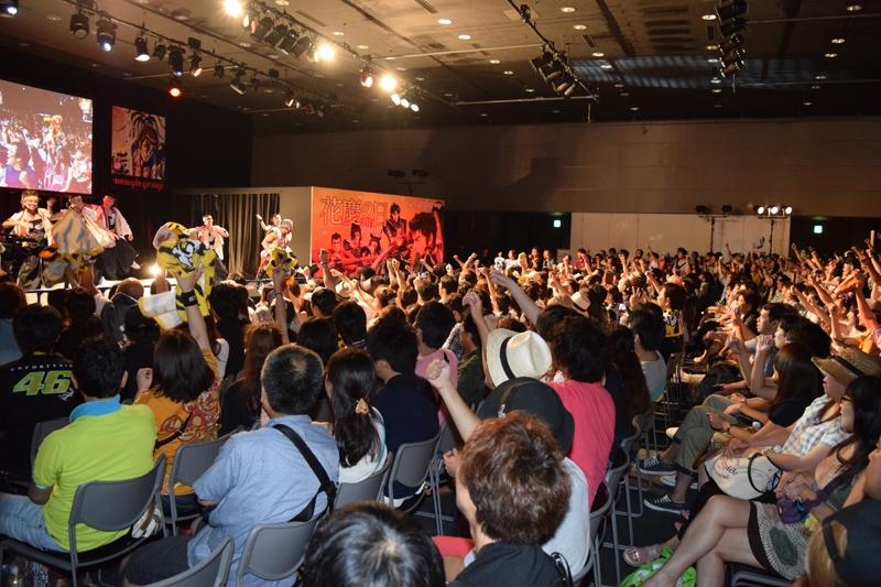 恒例の傾奇ライブでは角田信朗さんがパワフルなパフォーマンスをみせた。