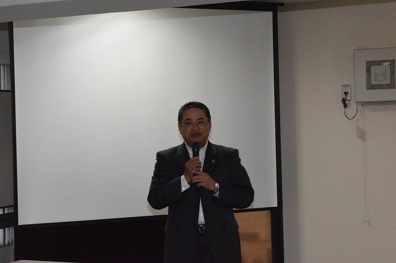 開会の挨拶を述べた、都遊協経営委員会・小田精一委員長。
