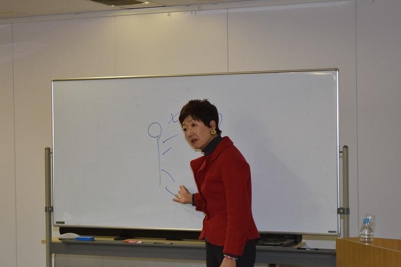 講師を務めた日本クロスカルチュラルコミュニケーション協会の石橋眞知子会長。
