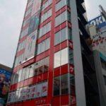 秋葉原駅前に大型カラオケ店をオープン